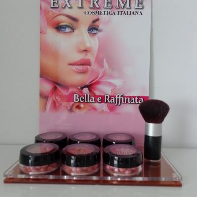 Display's Extreme make-up